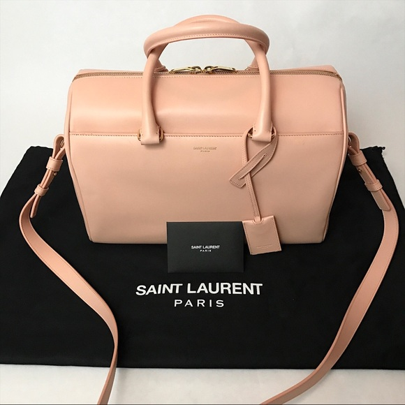 726b17cc18fc Saint Laurent Classic Duffle 6 Leather Bag. M 5a91ed939a94557118658f14